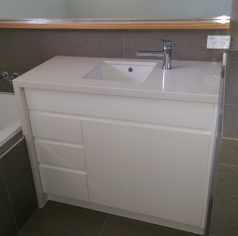 custom kitchen cabinets tweed heads